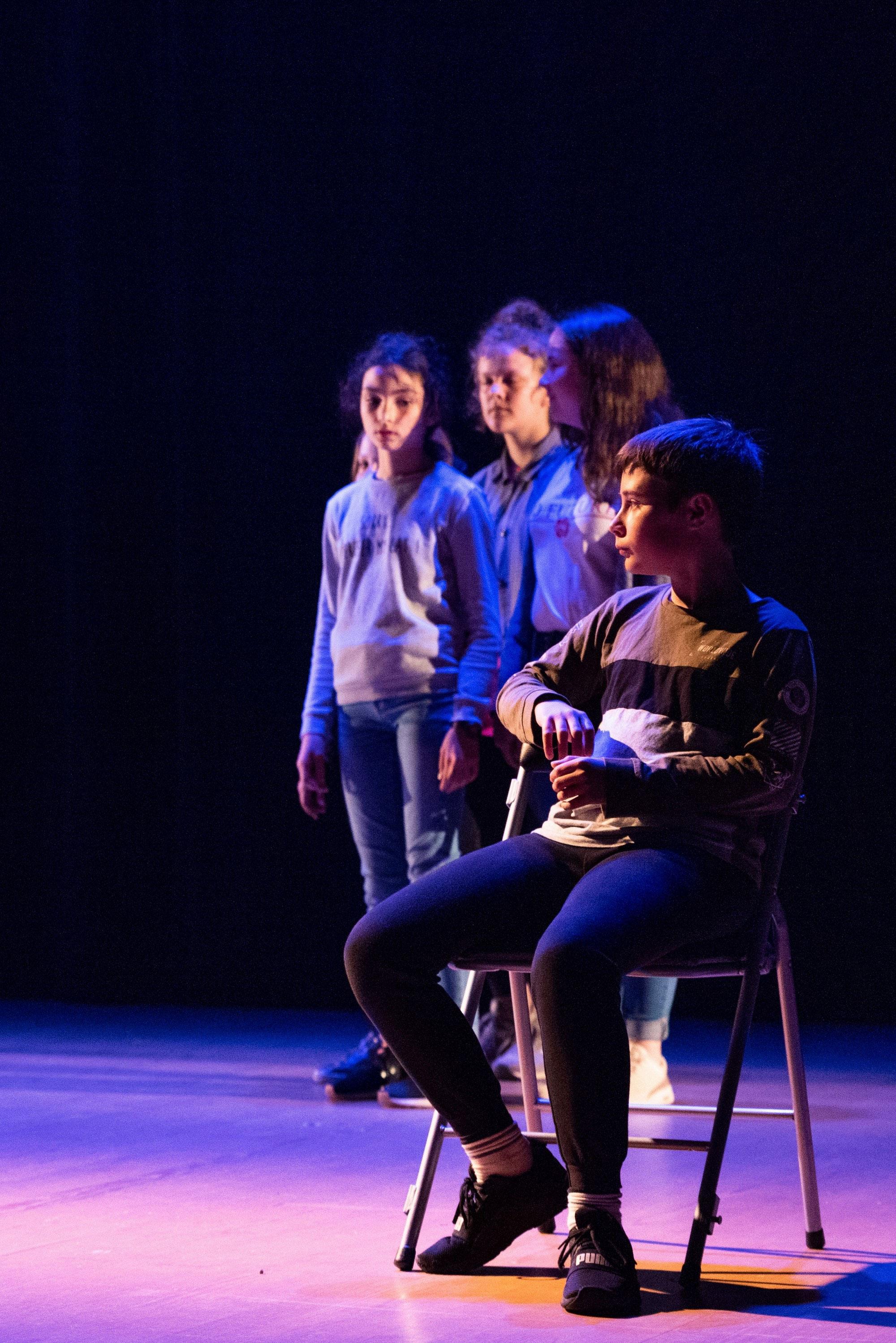 espace-sciences-rennes-theatre-college-planches-127-degres-st-brice-des-gens-comme_7